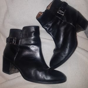 Louise et Cie black leather ankle boots 8.5